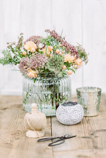 Weekendflowers, wilde Möhre und Rosen, Pomponetti