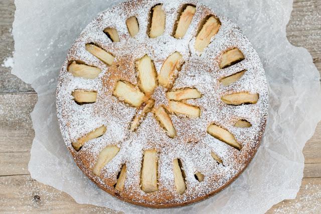 Apfelkuchen mit weißer Schokolade, Pomponetti