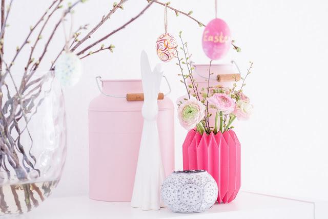 Pinke Frühlingsgrüße, Pliseevase aus Papier selbstgemacht, Pomponetti