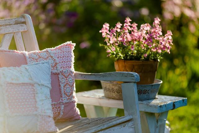 Gartenglück Ende Mai, Pomponetti