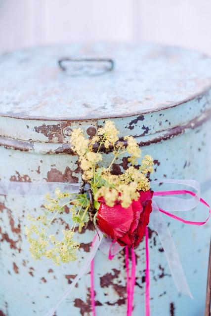 Friday Flowerday, Merz und Benzing, Metalleimer, Pomponetti