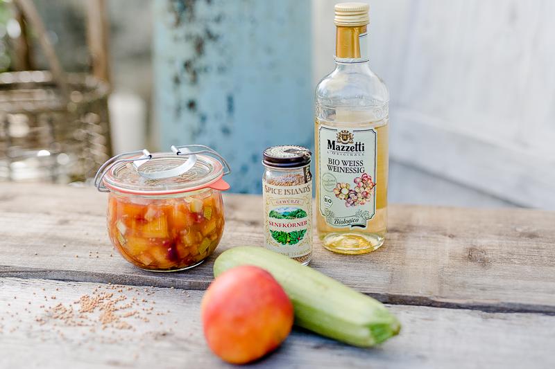 So geht Sommer..... noch ein Sommerrezept, Pomponetti, Crostinis mit Nektarinen-Zucchini-Chutney