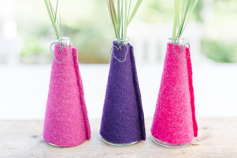 Neue Vasenhüllen in Beerentönen, Pomponetti