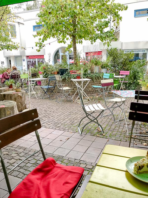 Kleine Schätze , große Städte..... tolle Läden und Cafés in München, Pomponetti, Gartensalon