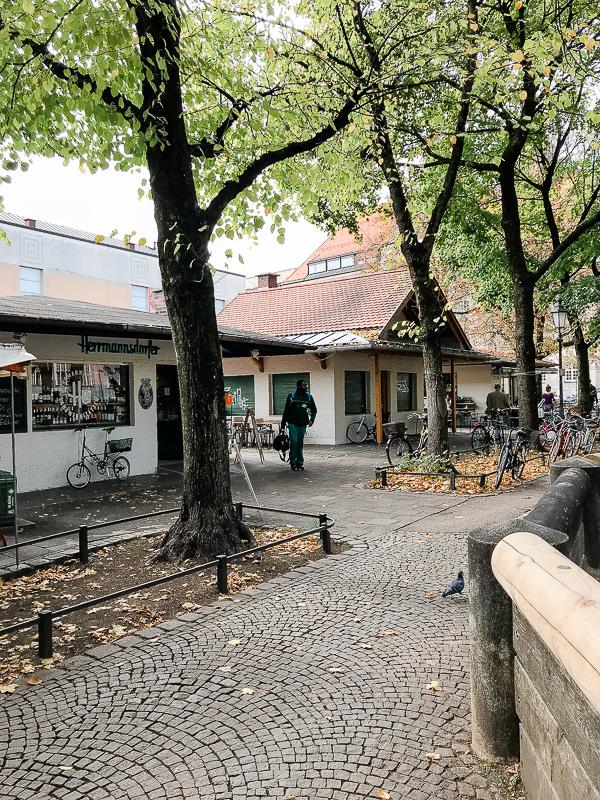 Kleine Schätze- große Städte... das Standl 20 in München, Elisabethmarkt Maxvorstadt,Pomponetti