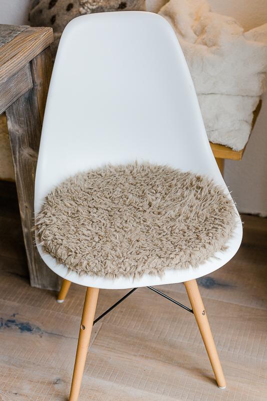 tolles dekoration eames chair sitzkissen. Black Bedroom Furniture Sets. Home Design Ideas