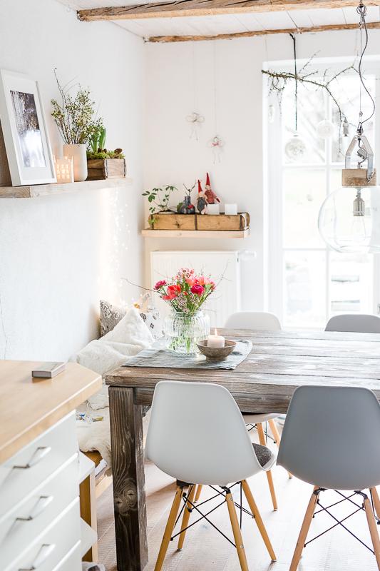Januardekoration mit Frühlingskracher, Pomponetti, Regaldeko, Wochendblumen, Friday Flowerday, Interior