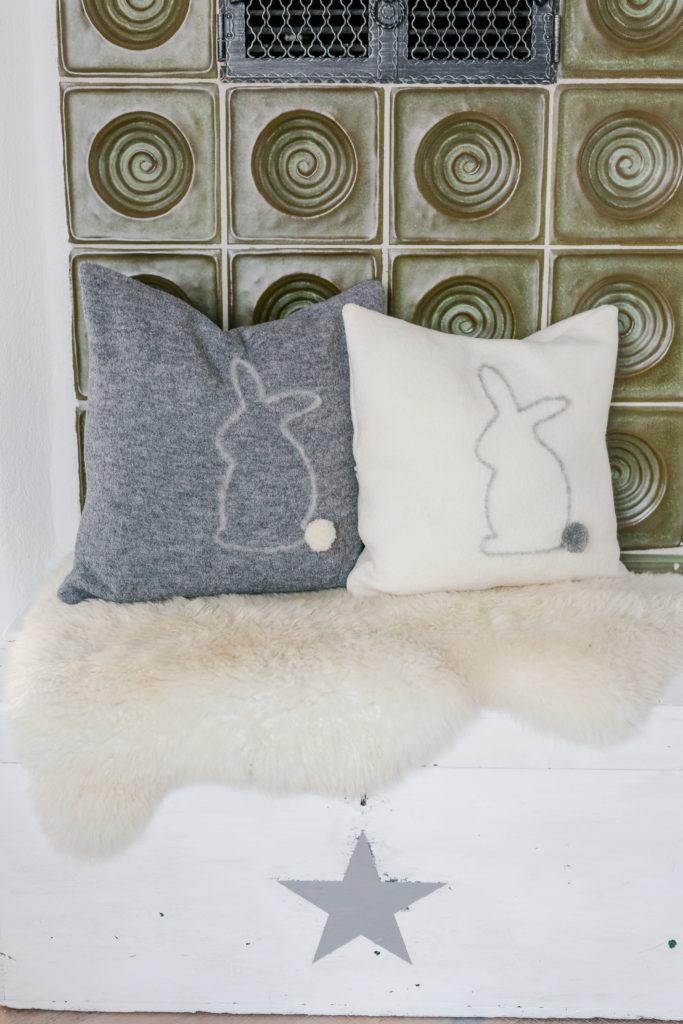 Kuschelhasen und andere Fellnasen, Kissen mit handgefilztem Hasen, Pomponetti