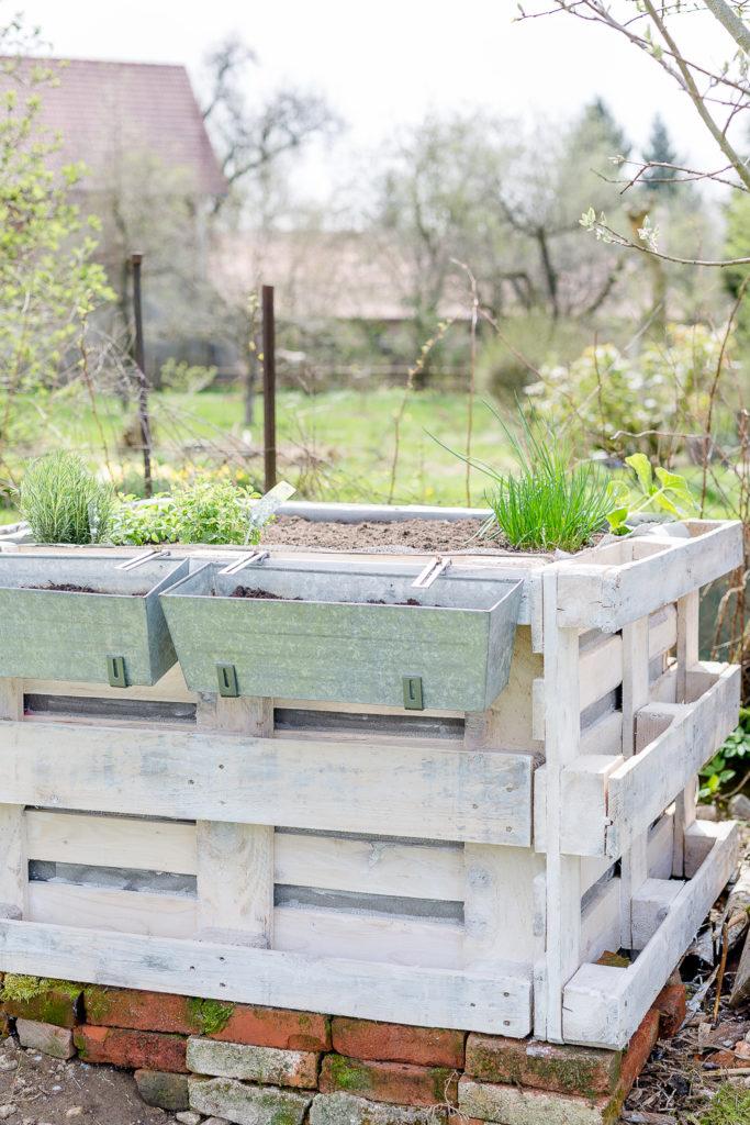 Hochbeet aus Paletten, Gartenimpressionen, Kräuter Hochbeet, Pomponetti