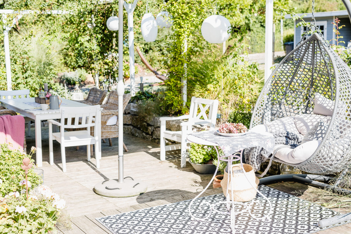 altweibersommer auf der terrasse oder september mood pomponetti. Black Bedroom Furniture Sets. Home Design Ideas