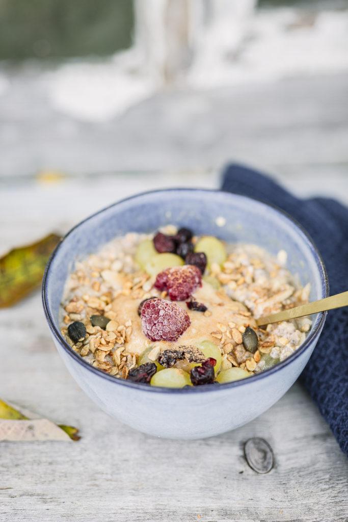 Apfel- Birnen- Porridge mit Erdnussbutter für Herbsttage, Pomponetti