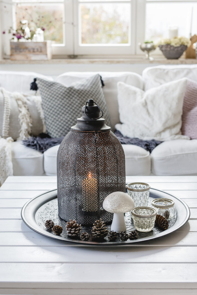 Hygge Home mit Laternen und Kerzen, Pomponetti