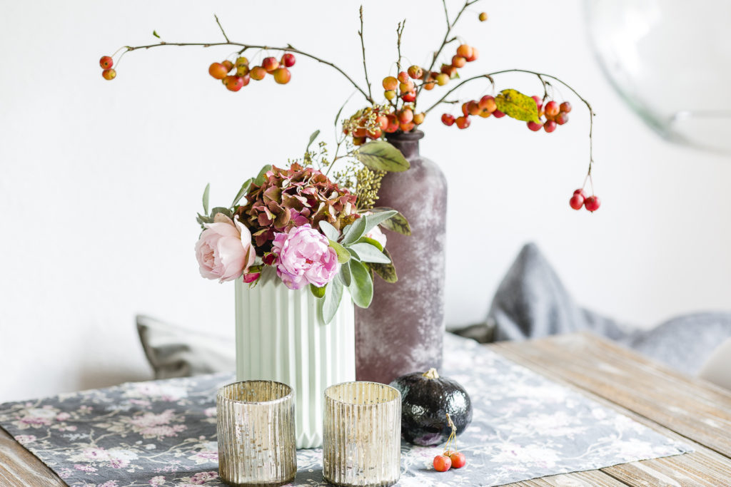 Herbstliche Blumendekoration Anfang November, Pomponetti