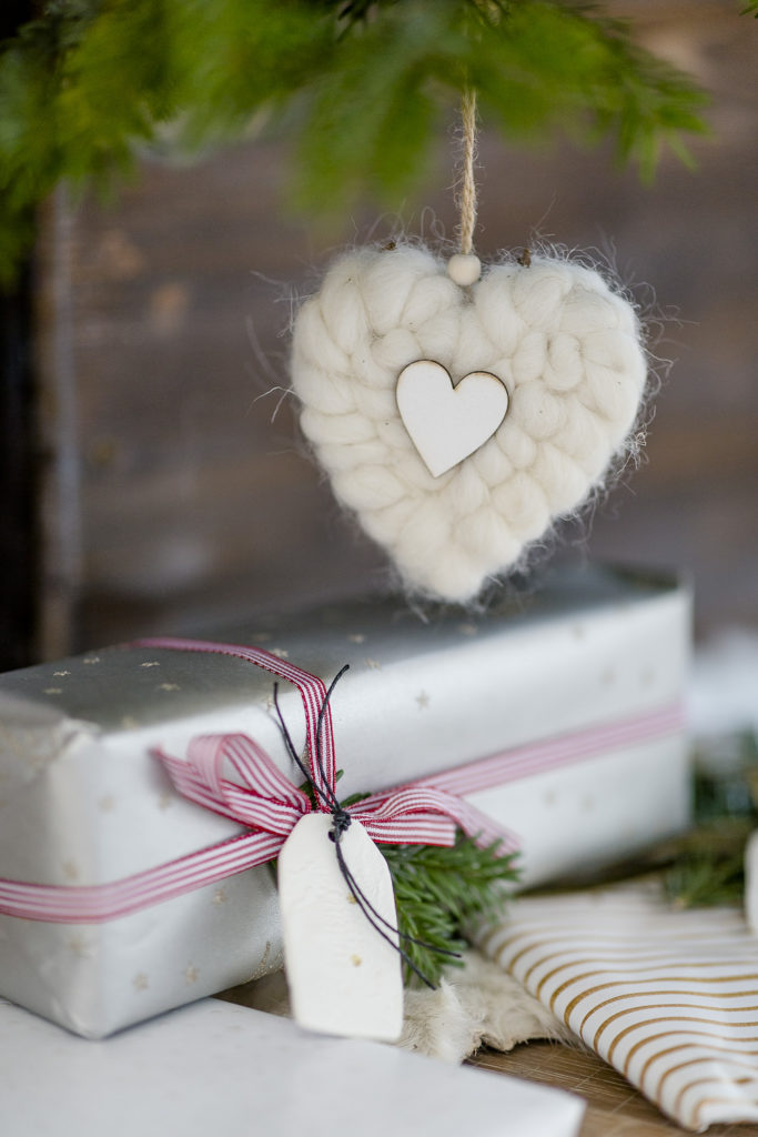 Geschenkanhänger für Weihnachtsgeschenke selbst gemacht, Pomponetti