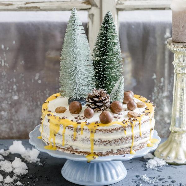 Weihnachtstorte mit weißer Mousse au chocolat und Eierlikör, Pomponetti