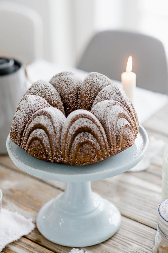 Sonntagskuchen oder Rezept für Eierlikör-Guglhupf, Pomponetti