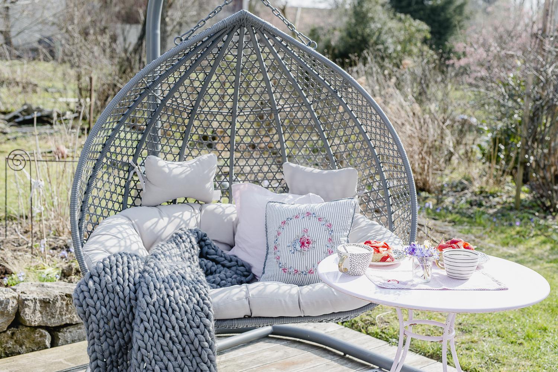 Outdoorsaison ist eröffnet oder Garten Ende März, Pomponetti