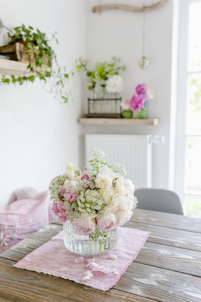 Blumendekoation im Esszimmer, Pomponetti