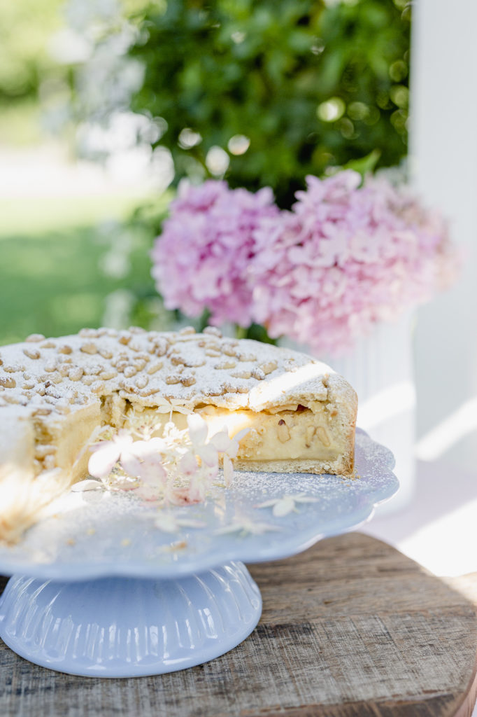 Torta della Nonna, italienische Spezialität, Pomponetti