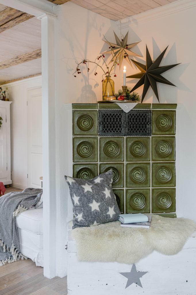 weihnachtliche Kamindekoration, Pomponetti