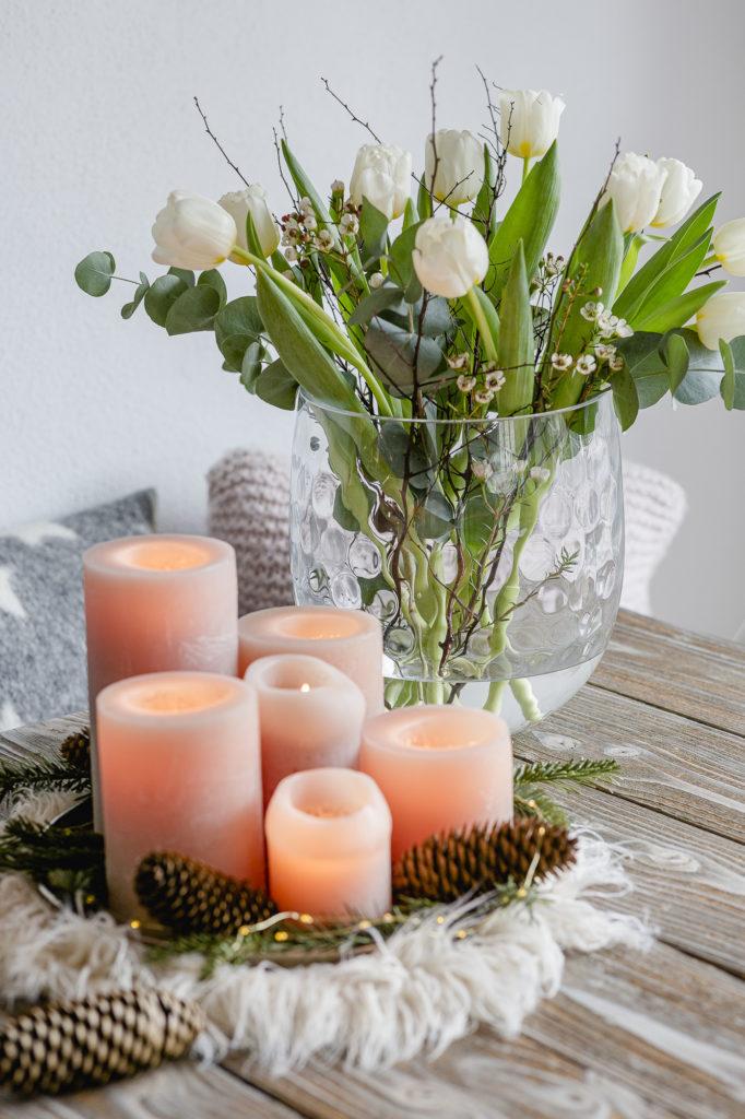 Tulpen winterlich dekoriert
