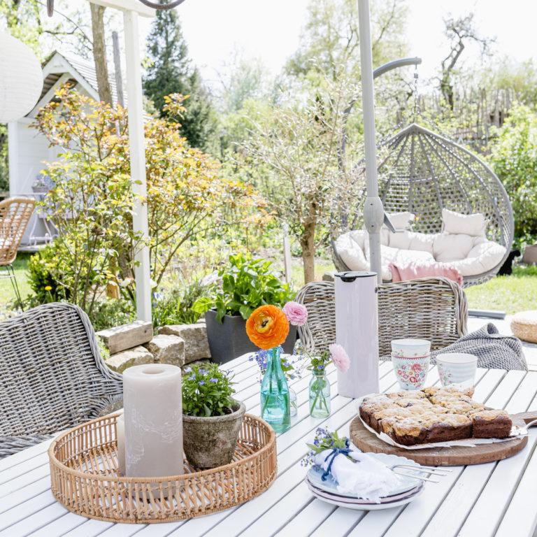 Sonntagskaffee auf der Terrasse