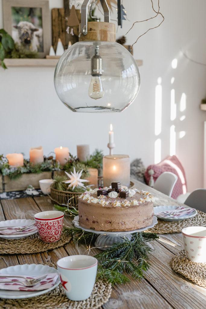 Schoko- Weihnachtstorte mit Glühweinkirschen, Pomponetti