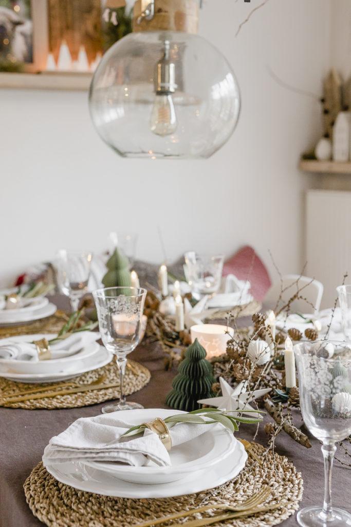 Tischdekoration Heilig Abend, Pomponetti