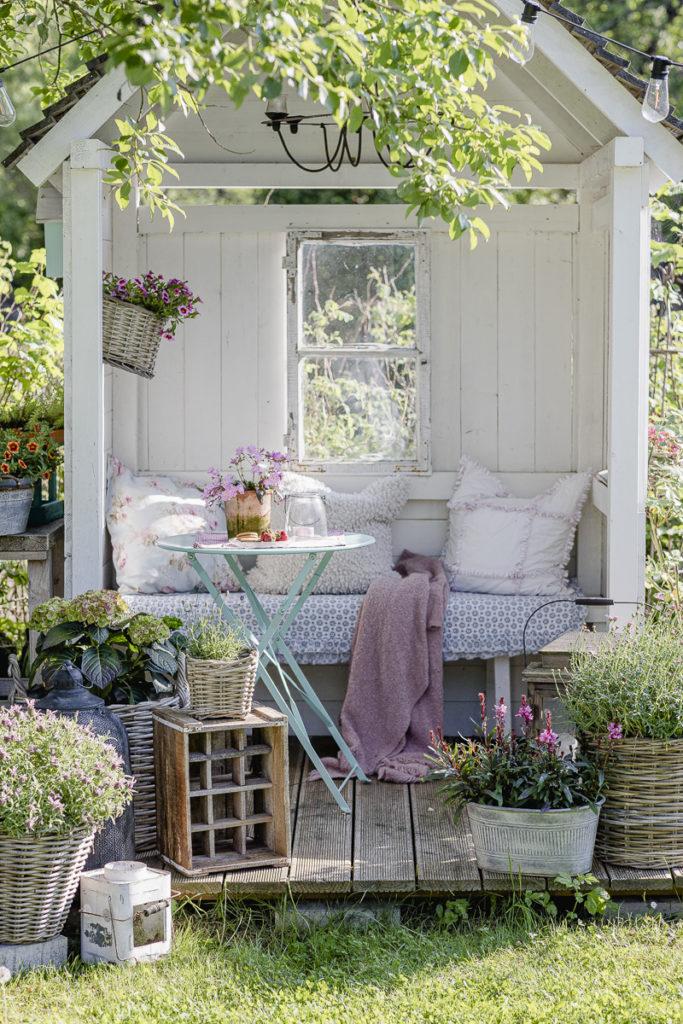 Gartenlaube im Sommer, Pomponetti