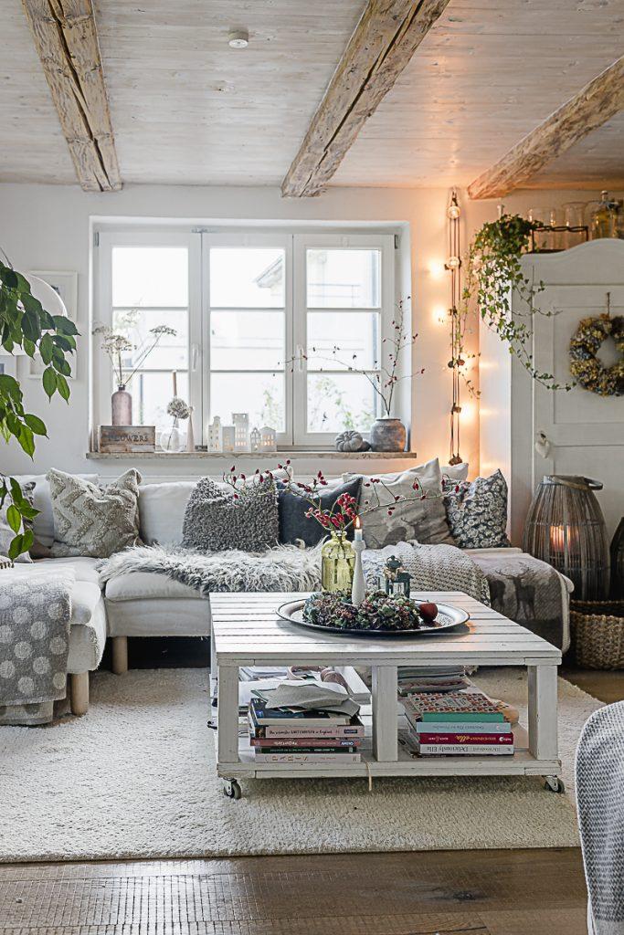 Herbstdeko- Ideent oder letzter Blick auf das Sofa, Pomponetti